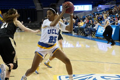 Monique Billings had 27 points, 18 rebounds, 4 blocks and 4 assists against Colorado. Photo by Marvin Jimenez/TGTVsports1.