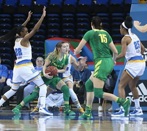 Morgan Yaeger is surrounded by Bruins in the second quarter. Photo by Marvin Jimenez/TG SportsTV1.