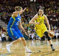 Breanna Stewart is defended by Theresa PLaisance. Photo by Neil Enns/Storm Photos.