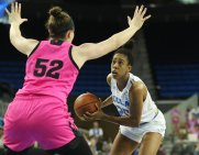 Monique Billings debates the pass or the shot. Photo by Maria Noble/WomensHoopsWorld.