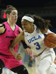 Jordin Canada drives to the hoop for another bucket. Photo by Maria Noble/WomensHoopsWorld.