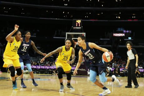 Layshia Clarendon drives to the basket. Photo by Maria Noble/WomensHoopsWorld.