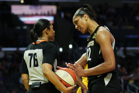 A'ja Wilson talks to an official about a call. Maria Noble/WomensHoopsWorld.