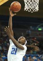 Michaela Onyenwere lays the ball u and in. Maria Noble/WomensHoopsWorld.