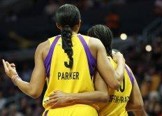 Candace Parker and Tierra Ruffin-Pratt converse. Maria Noble/WomensHoopsWorld.