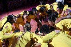 Sparks huddle. Maria Noble/WomensHoopsWorld
