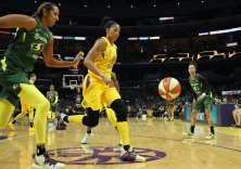 Mercedes Russell, Candace Parker. Maria Noble/WomensHoopsWorld