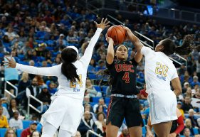 Endyia Rogers faces the Trojan defense. Maria Noble/WomensHoopsWorld