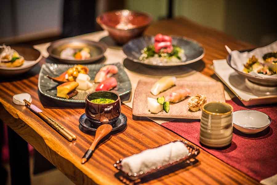 台北日本料理、割烹「釉 Yu Ryori Nippon」以日本進口新鮮食材做基底,上演一場場創意料理藝術秀