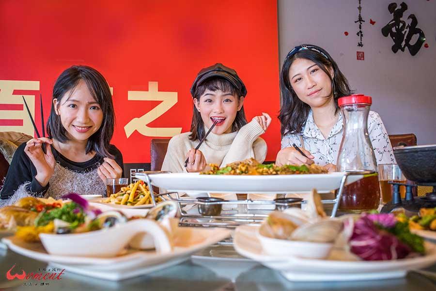【淡水輕軌美食 – 老淡水餐廳】淡金北新站,創新於傳統的桌菜、台菜活海鮮,老淡水人的熱情與新鮮美味都在這兒了