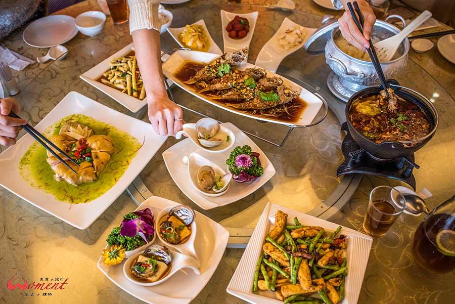 特色年菜大集合!除了傳統中式年菜,還有日式、西式、韓式、泰式、原住民風味等,今年來張不一樣的除夕圍爐大合照吧!