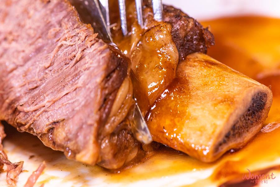 淡水輕軌美食-義米蘭-台塑牛小排切開