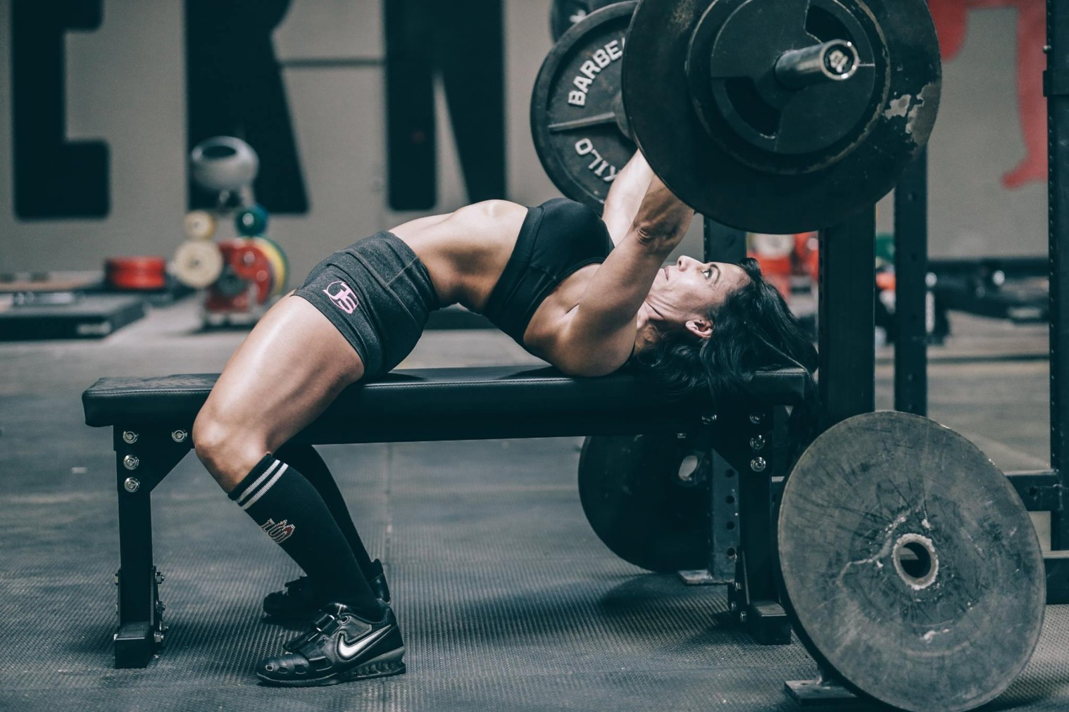 Why Do Some Women Arch Their Back When They Bench Press