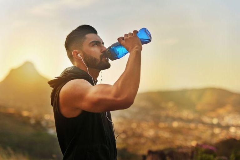 Дистиллированная вода вызывает гипонатриемию