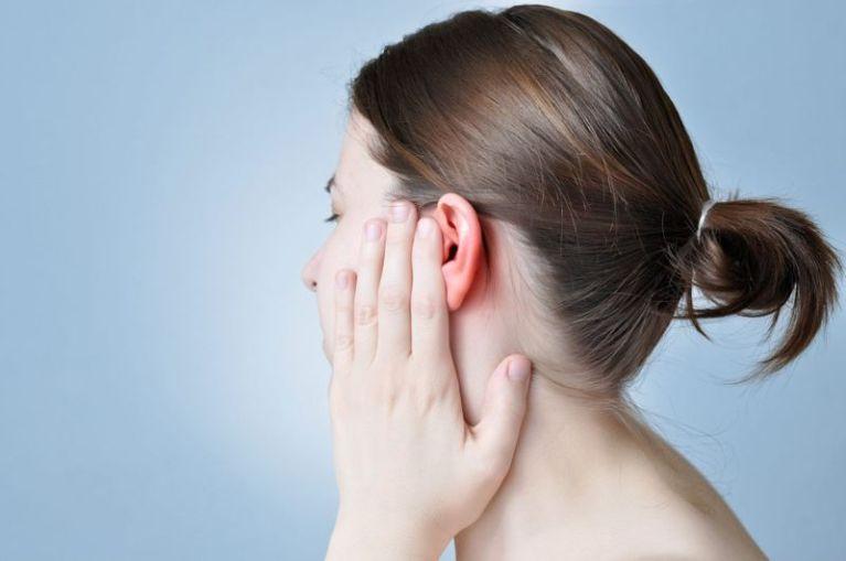 почистить уши перекисью водорода