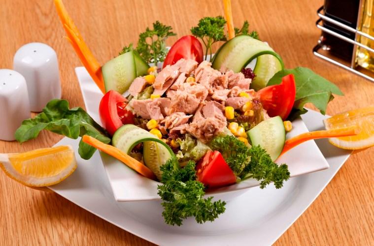 Ton Balıklı Yeşil Salata Tarifi