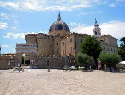Loreto 2 Basilika von außen