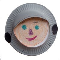 make an astronaut paper plate