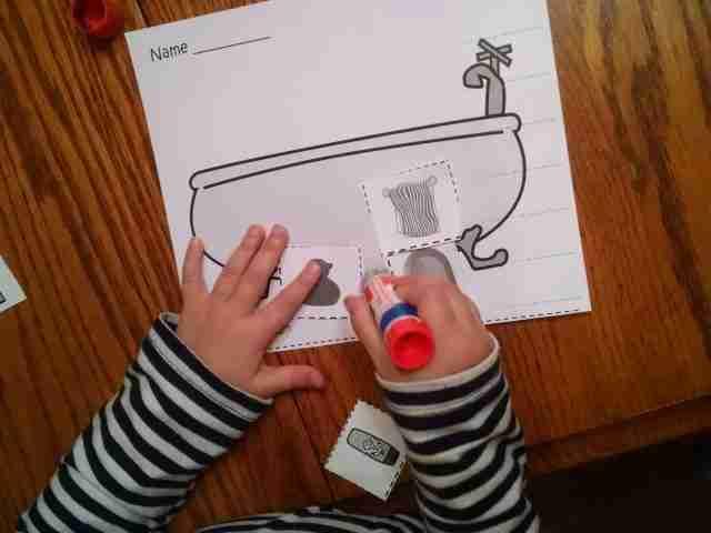 Preschool cut and paste Sorting Activity