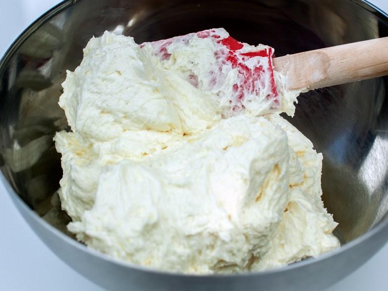 Amerikanische Vanilla Buttercream – Süß aber luftig und cremig