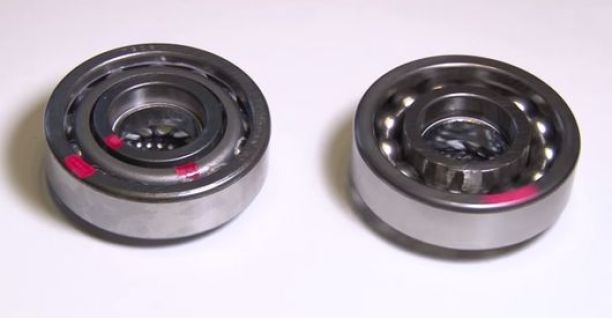 greaseless ball bearing