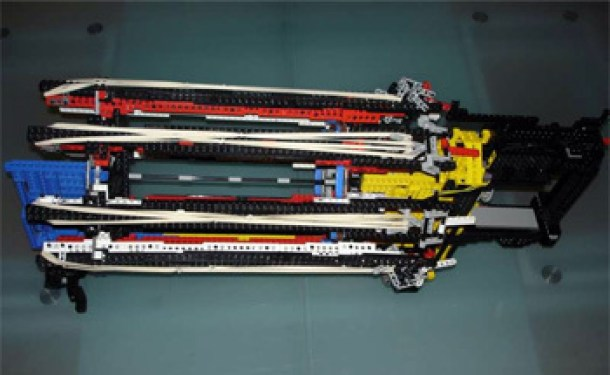 7 Wonderfully Engineered Gadgets Made Out Of LEGO 3a