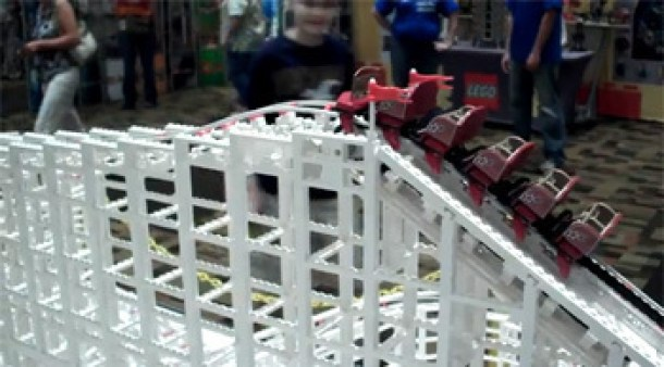 7 Wonderfully Engineered Gadgets Made Out Of LEGO 4b