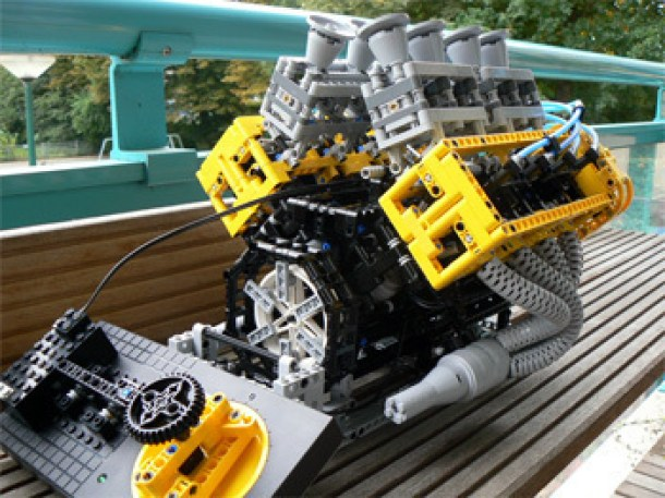 7 Wonderfully Engineered Gadgets Made Out Of LEGO 7a