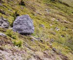 antoine-boulder-cabin-design-switzerland-alps-6-800x415
