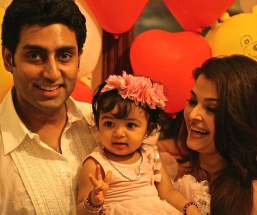Pic of Aaradhya Bachchan with parents, Abhishek and Aiswarya, on her first birthday.