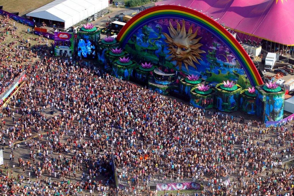 tomorrowland2010