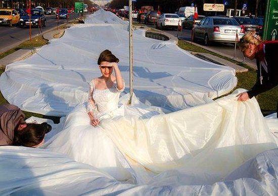 25 Weird Wedding Dresses You Will Never Wear Them