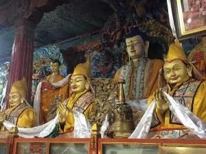 Tsongkhapa and his disciples