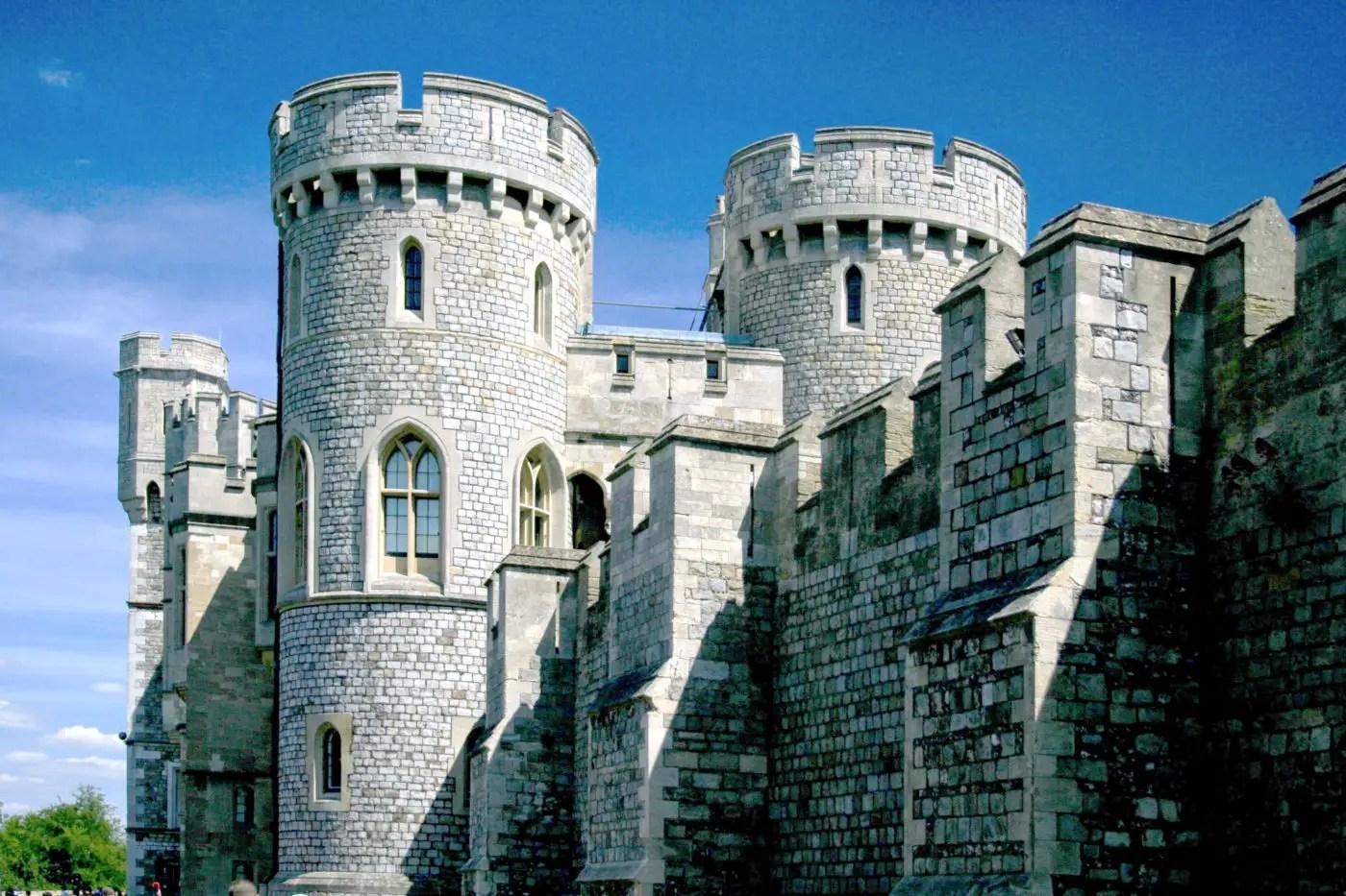 Outside of Windsor Castle Walls | How to Visit Windsor Castle