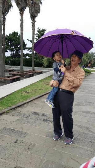 untitledumbrella-with-jj