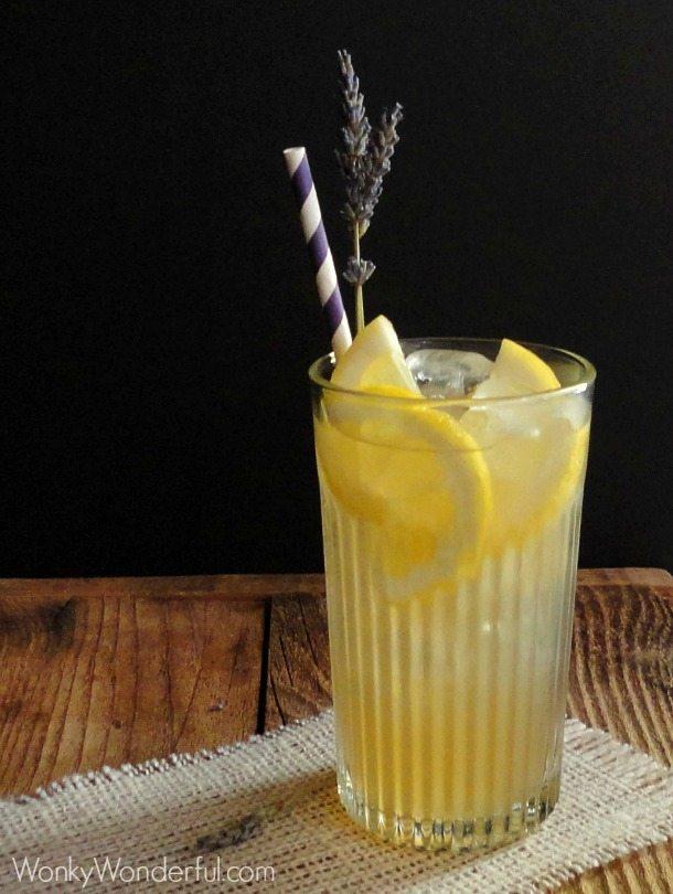 Honey Lavender Lemonade - wonkywonderful.com