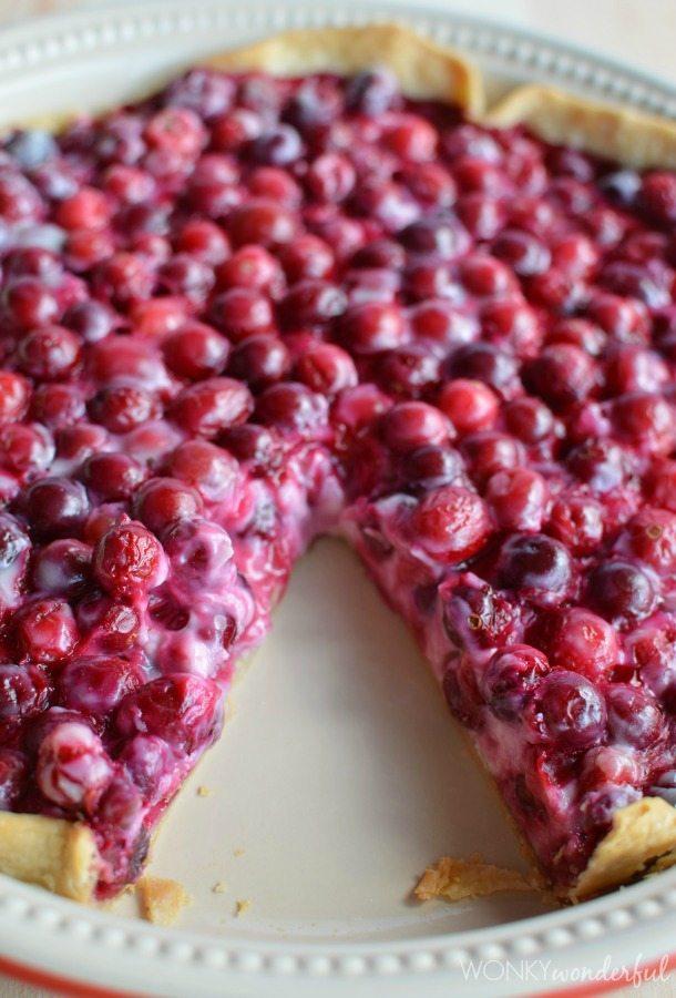 Creamy Cranberry Pie Recipe - made with Greek Yogurt - wonkywonderful.com