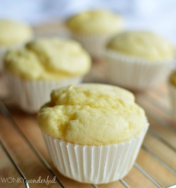 Lemon Blueberry Muffin Recipe - Cupcakes - wonkywonderful.com
