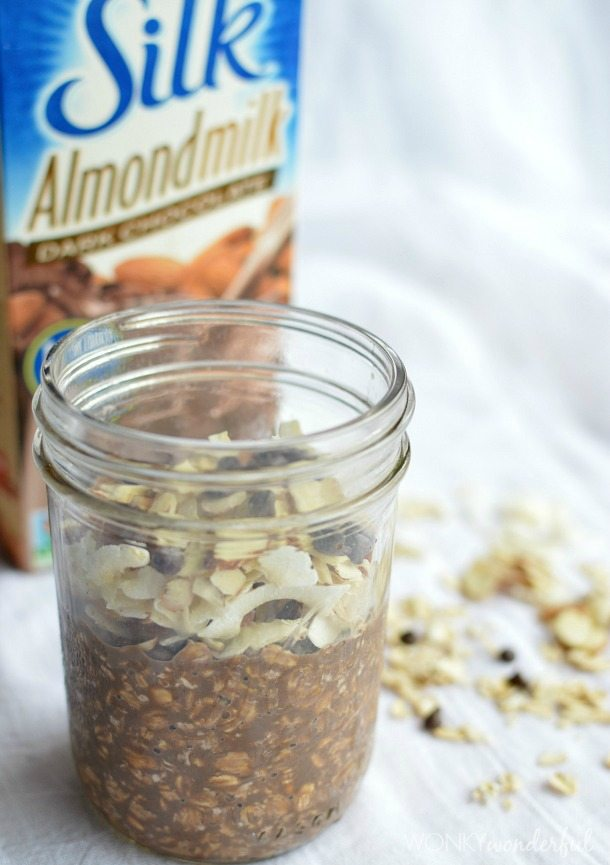 No Cook, Refrigerator Overnight Oatmeal - dairy free - lactose free - healthy breakfast - #silklove wonkywonderful.com