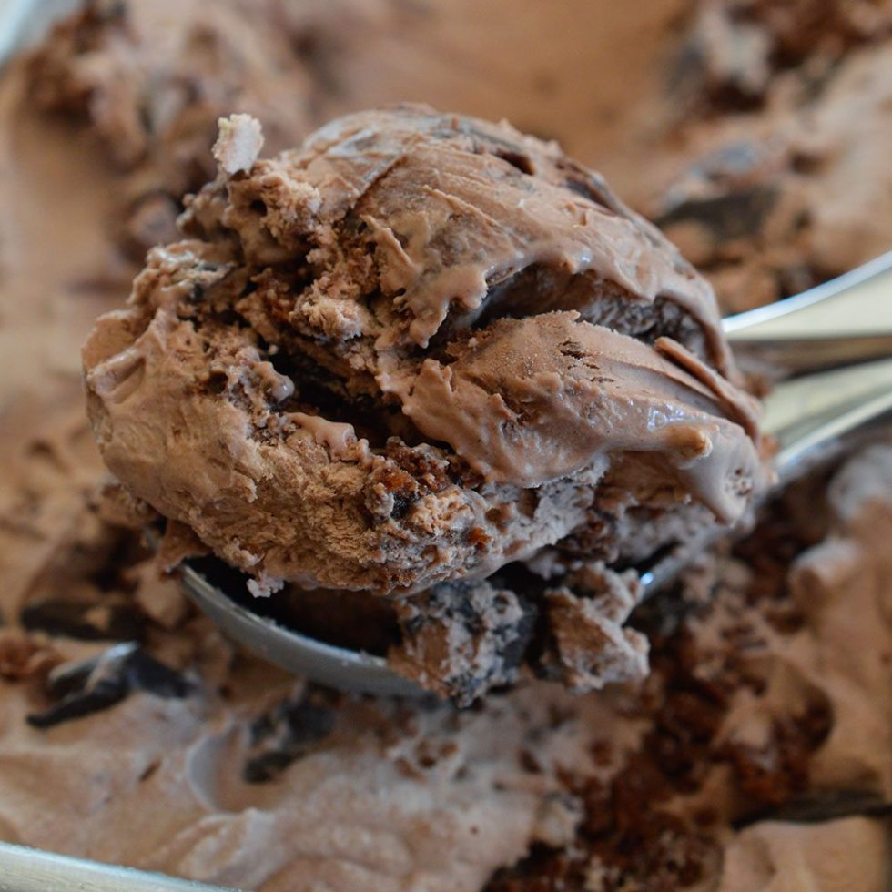 Extreme Chocolate Ice Cream - This No Churn Ice Cream is packed with Chocolate Chunks and Brownies! Inspired by my favorite Dairy Queen Blizzard flavor. Death By Chocolate never tasted so good!