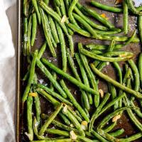 Roasted Fresh Green Beans and Garlic