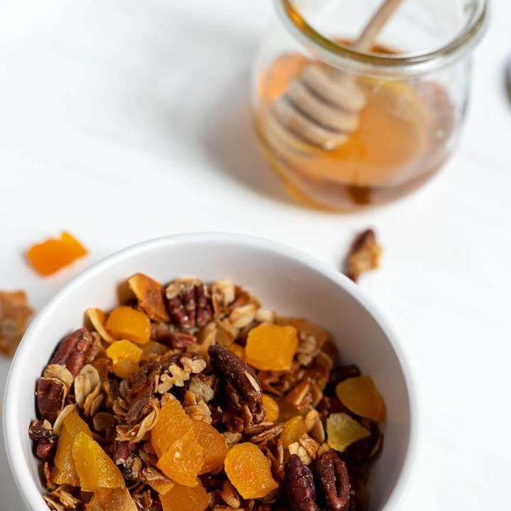 Homemade Granola Recipe with Pecans and Apricots