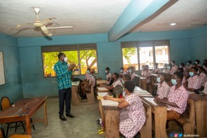 Education Minister picks marker to teach Algebra at Super KASS during a surprise visit - (Photos). 58