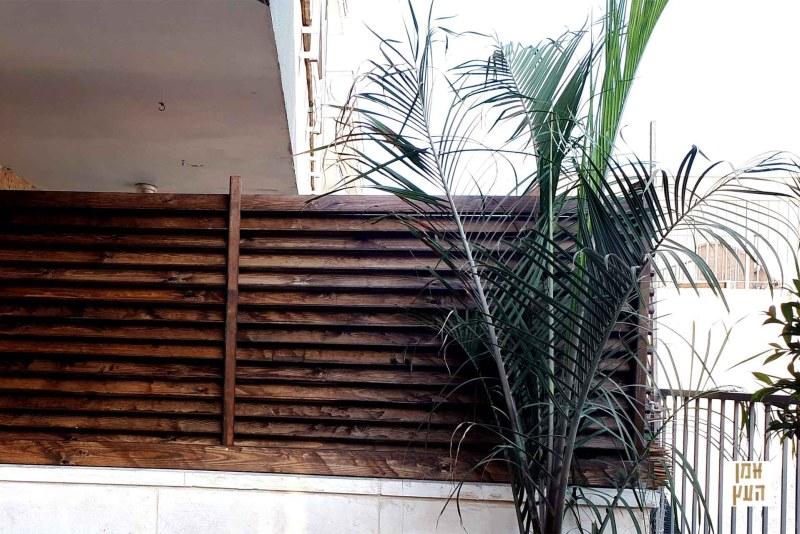 גדר הפרדה מעץ למרפסות