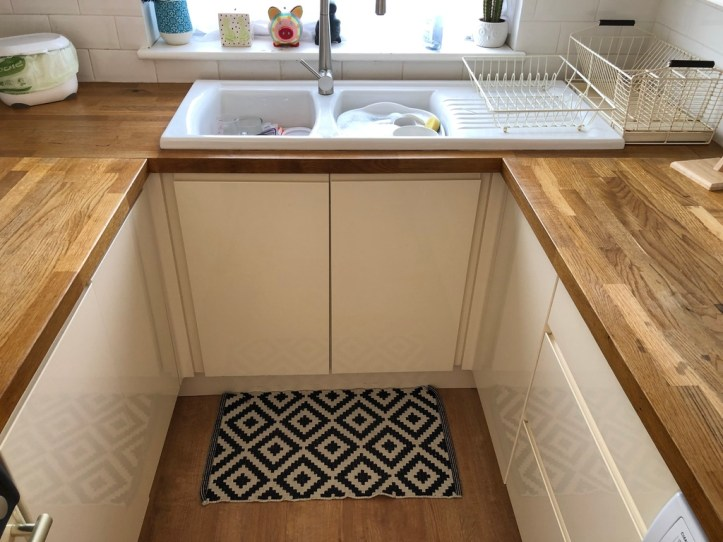 How to upgrade your own kitchen on a budget - white wood kitchen