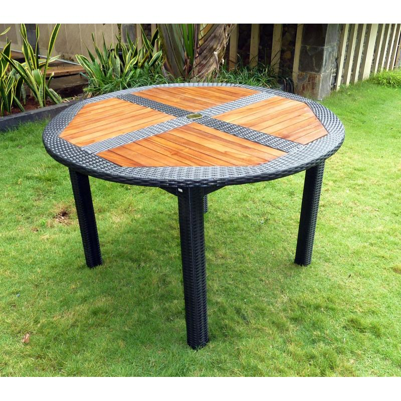 Ensemble table ronde de jardin en teck et chaises de jardin en rsine