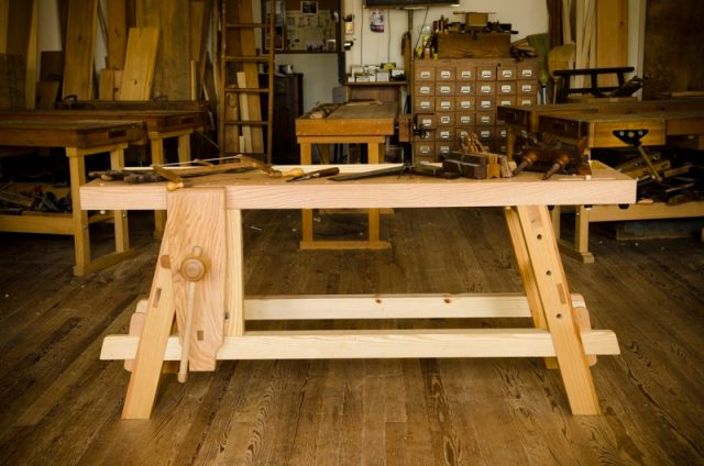 The Portable Moravian Workbench at The Woodwright's School | Wood ...