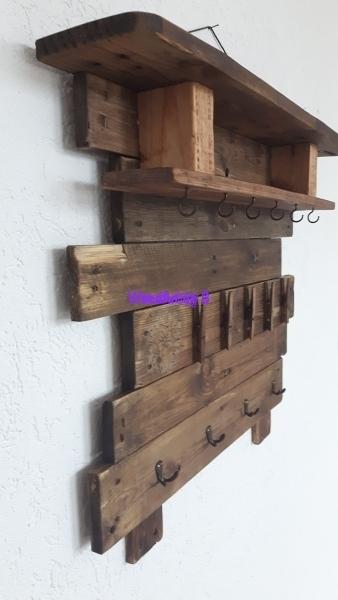 Wandboard aus Altholz