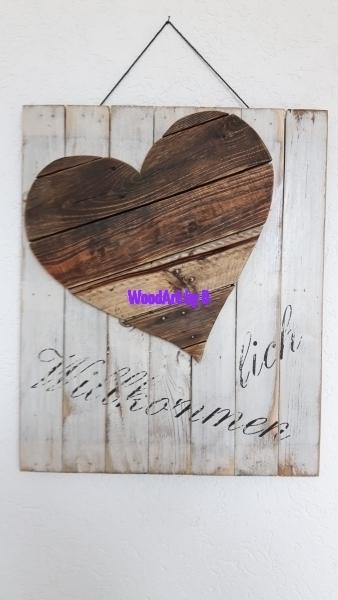Herz aus Altholz mit Druck