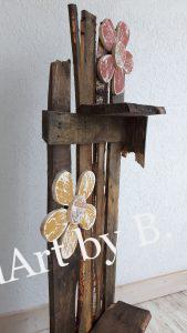 Deko-Ständer aus Birkenbrettern mit Ablagen für Blumentöpfe oder windlichtern